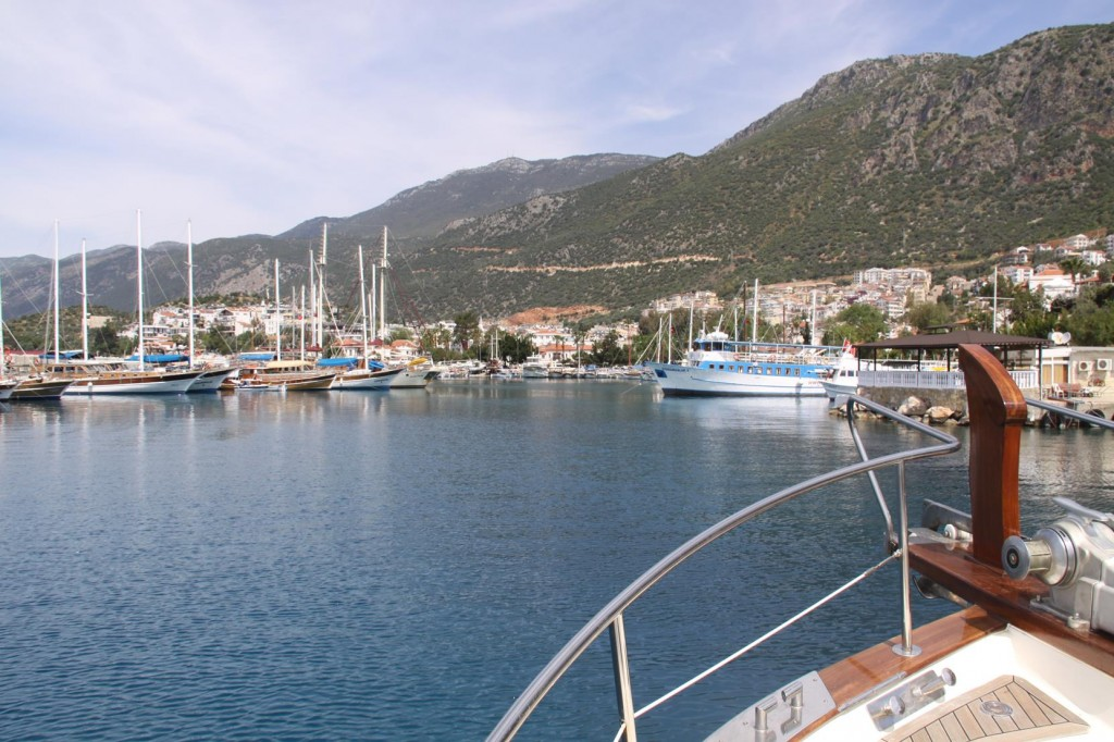 Entering Kas Port