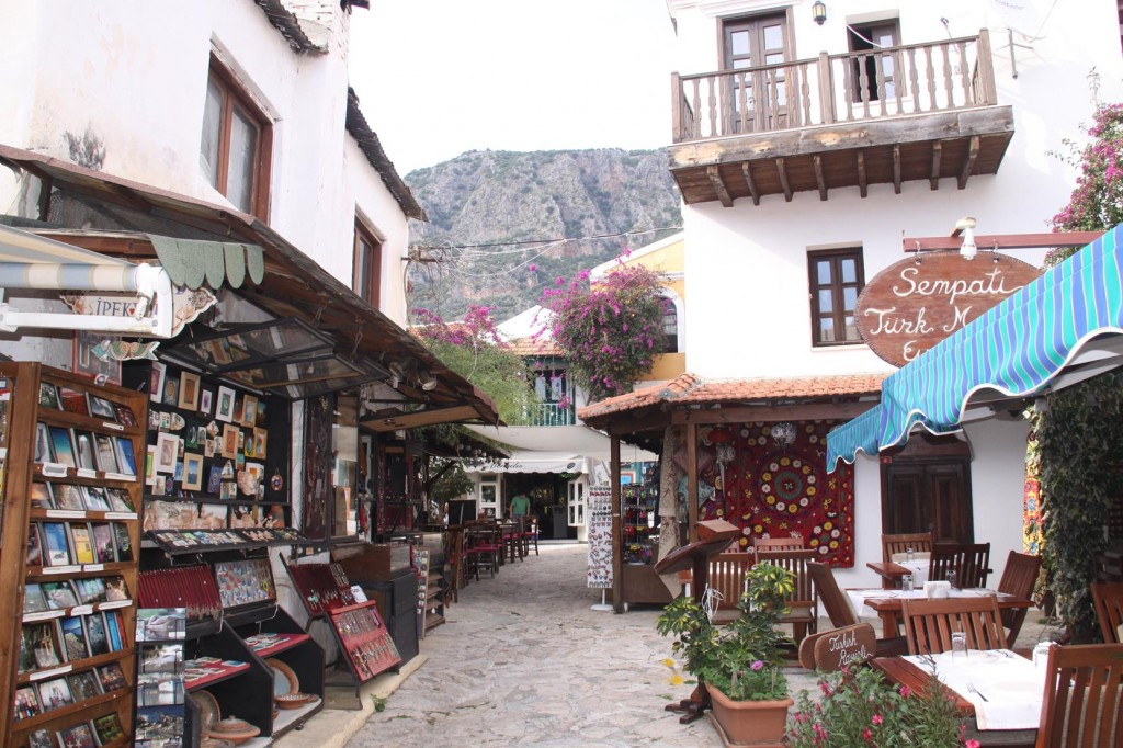 The Back Streets are Full of Little Shops to Entice the Tourists!!