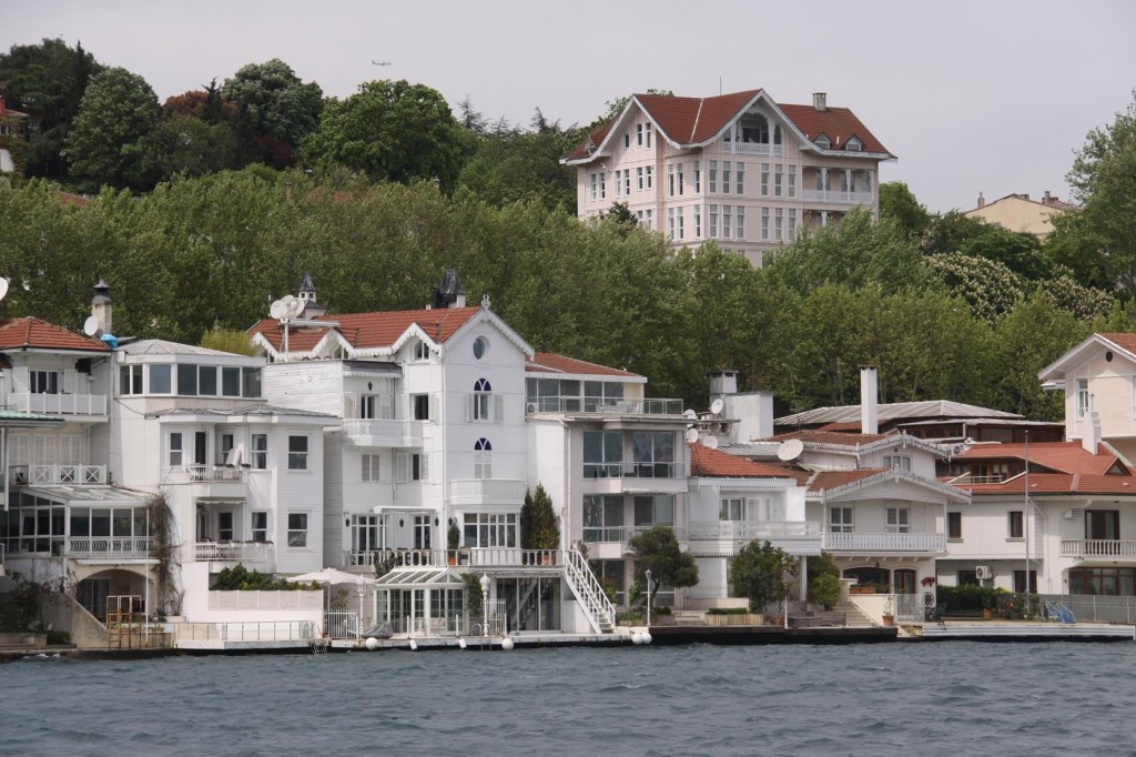 Some of these Waterfront Wooden Homes are Extremely Expensive Pieces of Realestate
