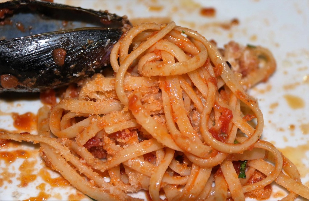 We try a seafood pasta dish
