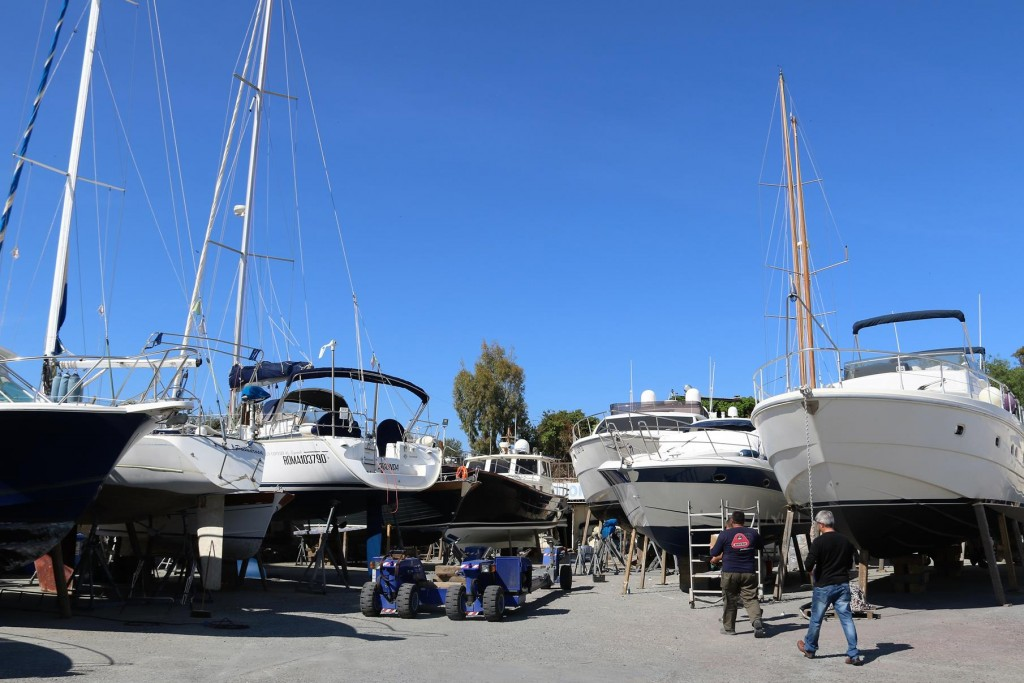 With the work almost complete, we appear to be locked in behind the other boats in the yard