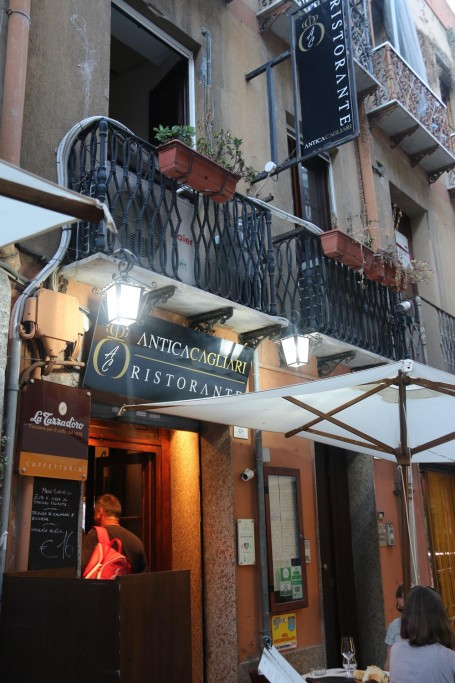 On a very reliable recommendation we decided to try AnticaCagliari Ristorante on via La Sardegna