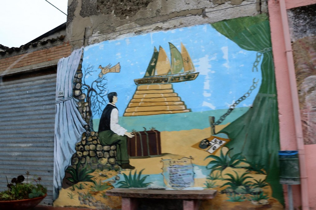 We pass through Villamar which is a small town with numerous murals