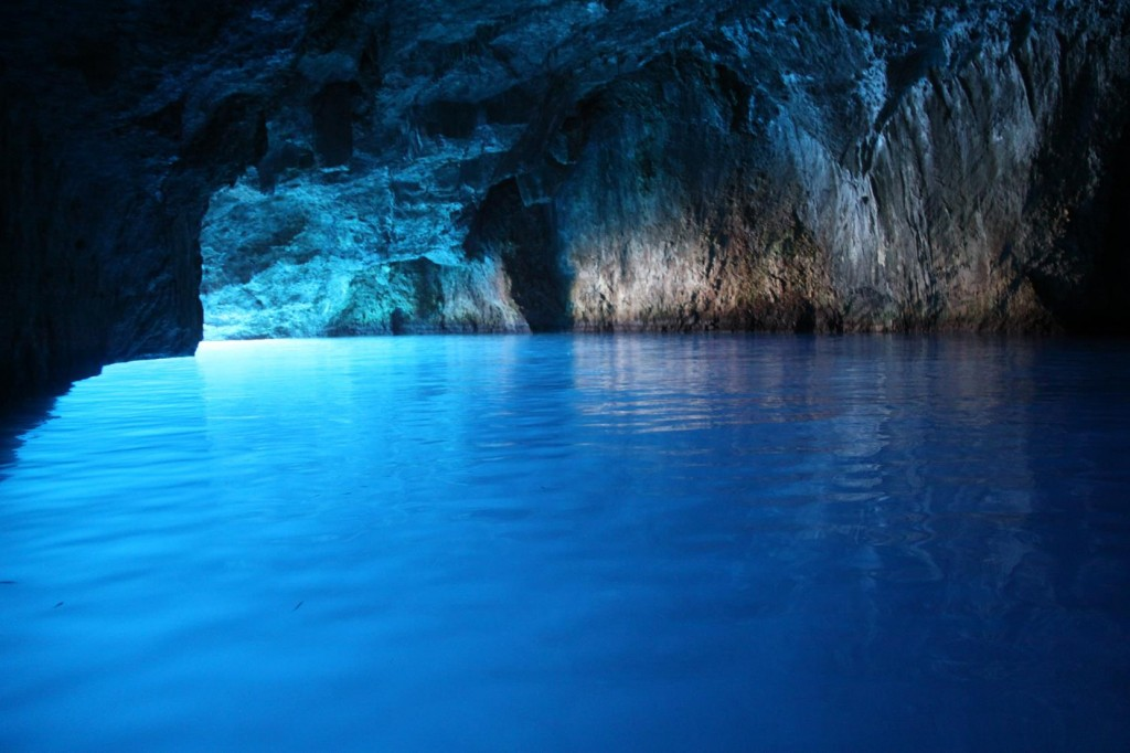 The Amazing Blue Cave with the very Low Entrance