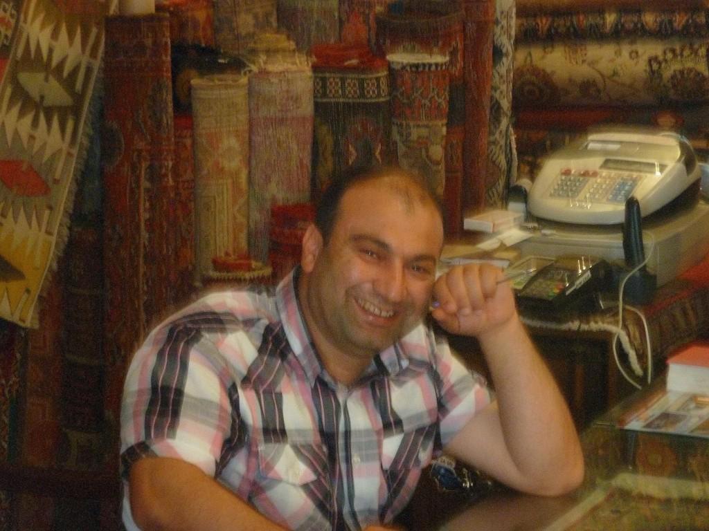 Our Carpet Expert, Riduan at Yurdan Carpets, Gocek