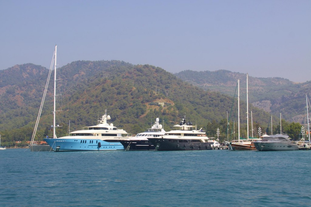 Goodbye to all the Super Yachts in Port