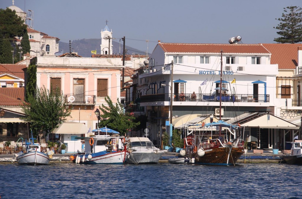 Like a lot of Small Greek Ports there are Colourful Fishing Boats, Tavernas, Bars and Hotels all Crammed in Together