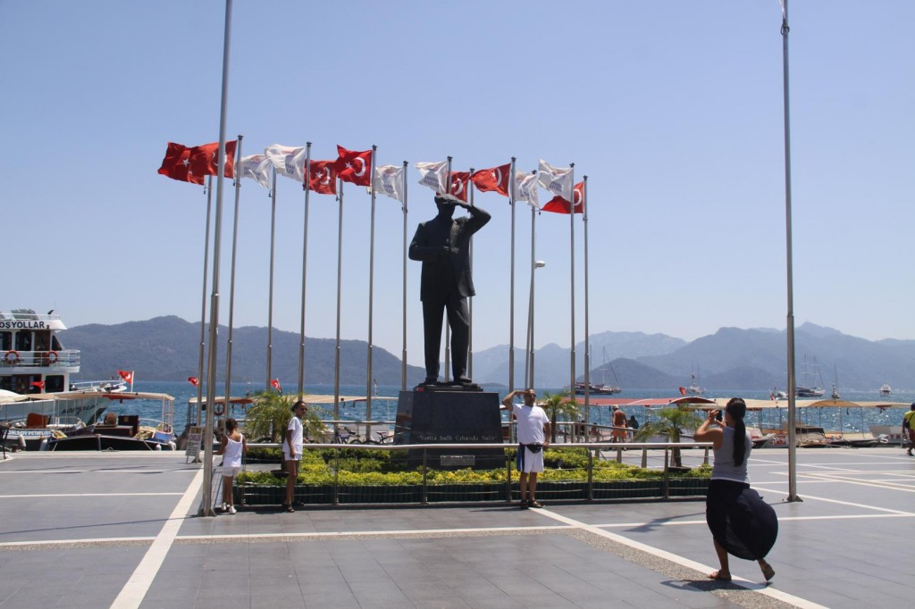 Ataturk's Statue by the Harbour is a Popular Place for Photos