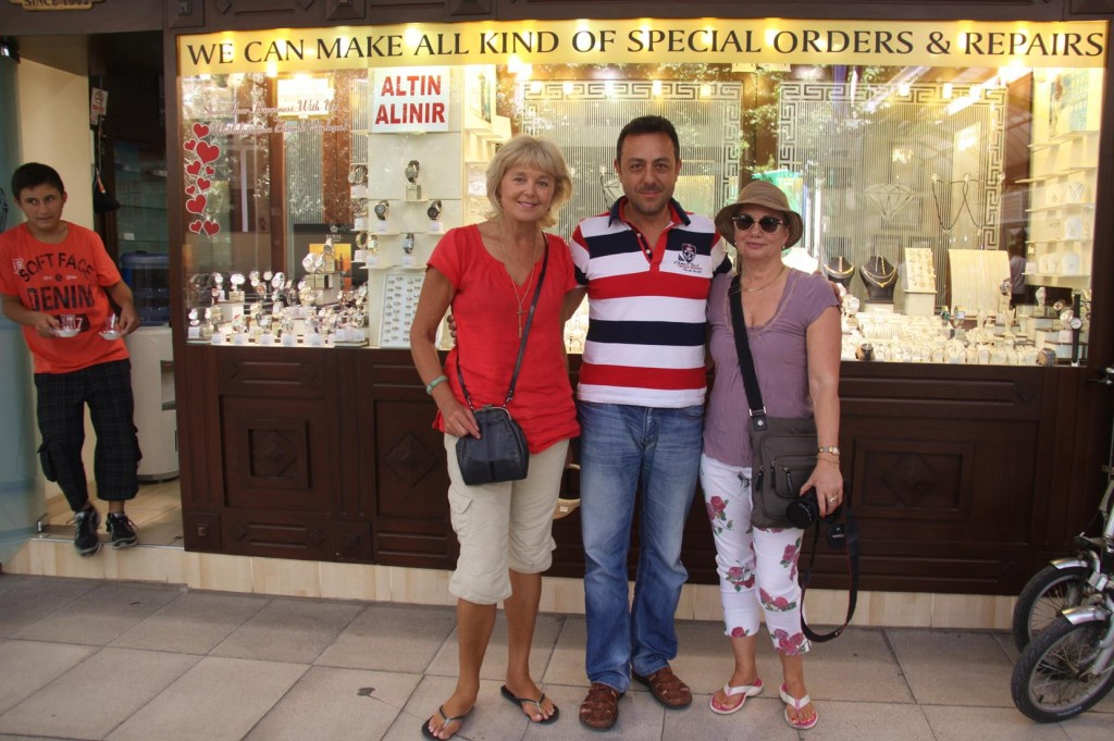 Kate and I have a Little Retail Therapy by Calling into Kaya Jewellery to see Cem, Who I Met Last Year While in Marmaris