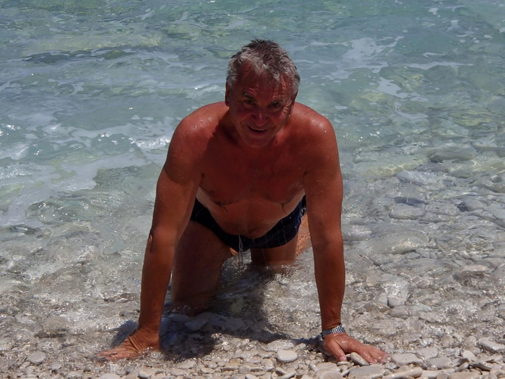 Ric Crawls Out of the Water Too !!