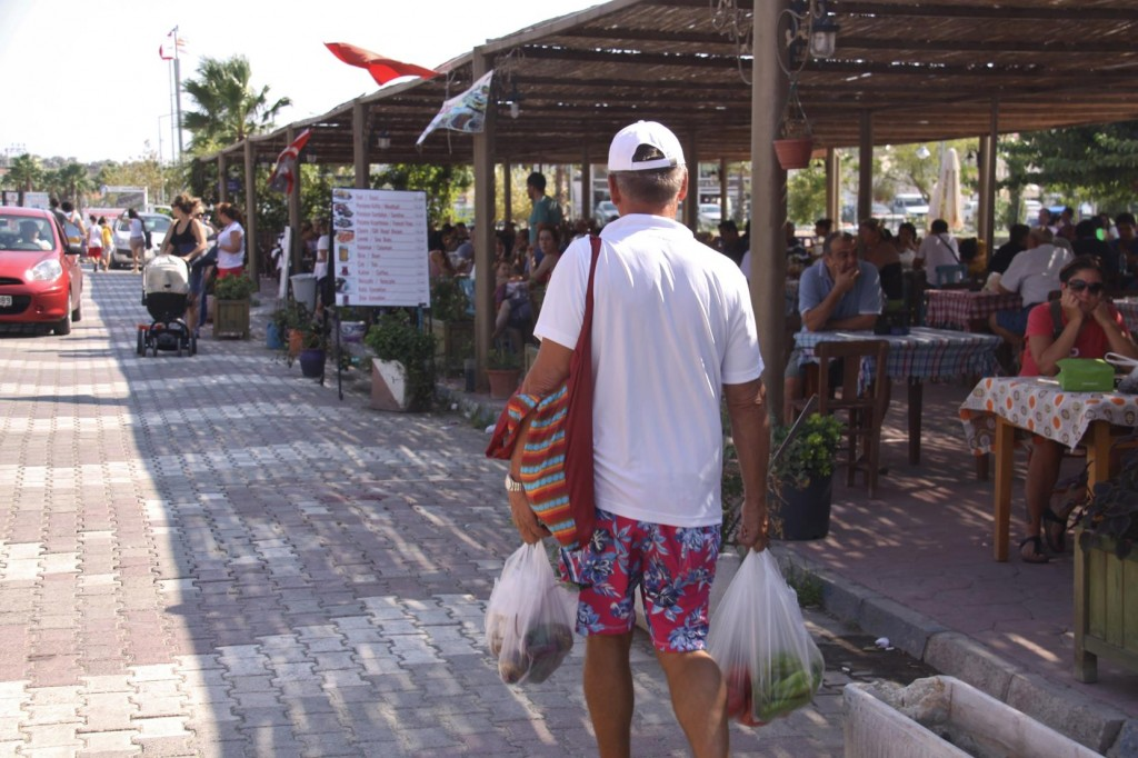 Laden with the Freshest Produce Ric and I Head back to the Marina