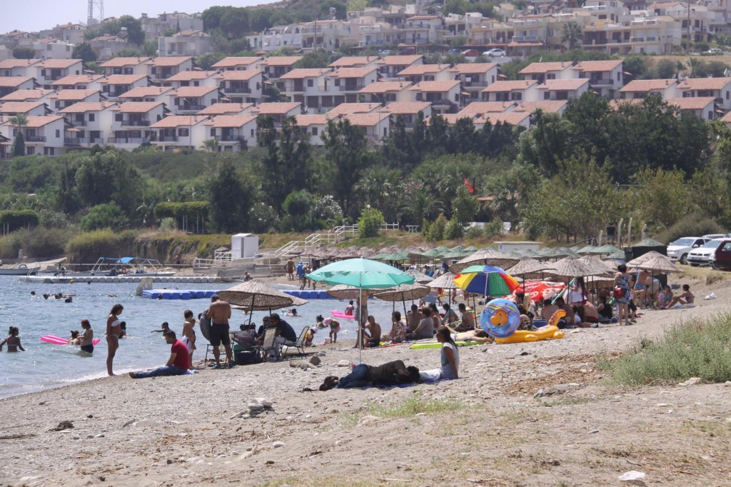 Many Locals and Holiday Makers Enjoying the Beach in Today's Hot Temperatures