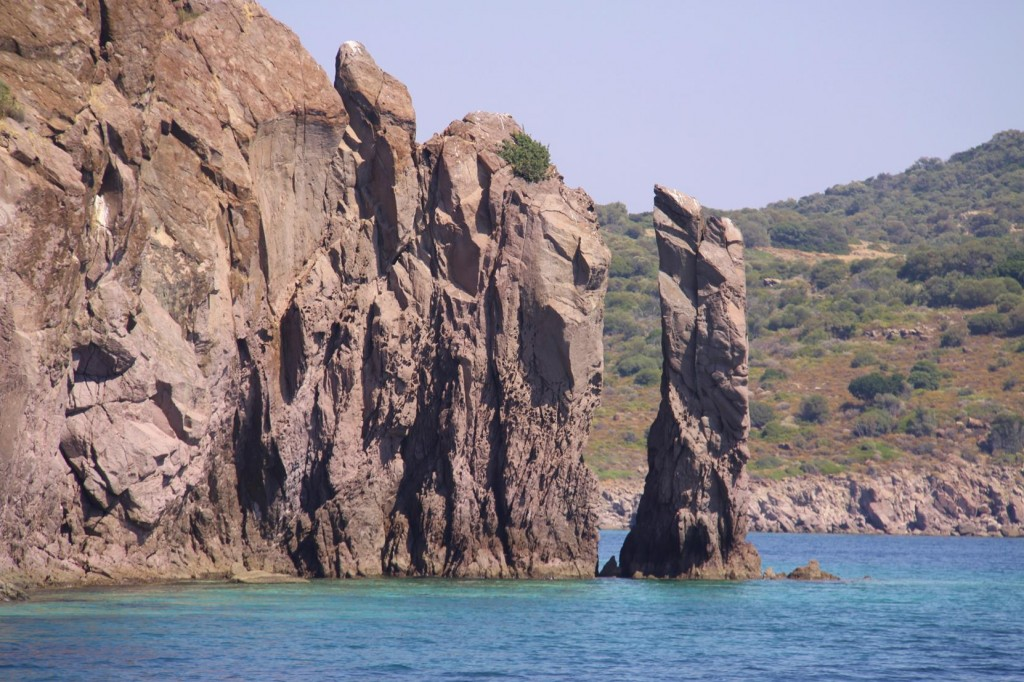 The Small Islet by Kizkulesi is made up of Vertical Rock Formations