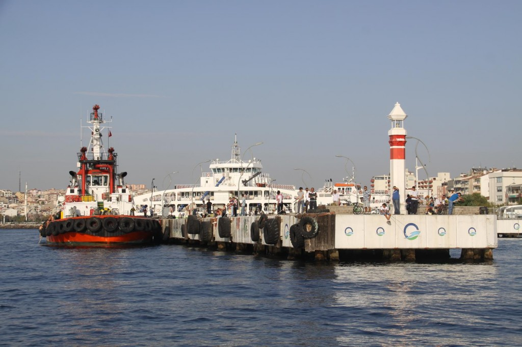 Ferries from Canakkale Take Passengers to Major Sites and Towns in the Dardanelles