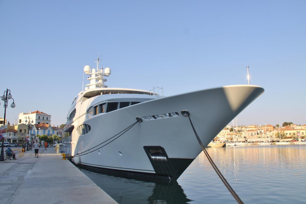 'Vive La Vie' a Large 60 Metre Super Yacht is in Town