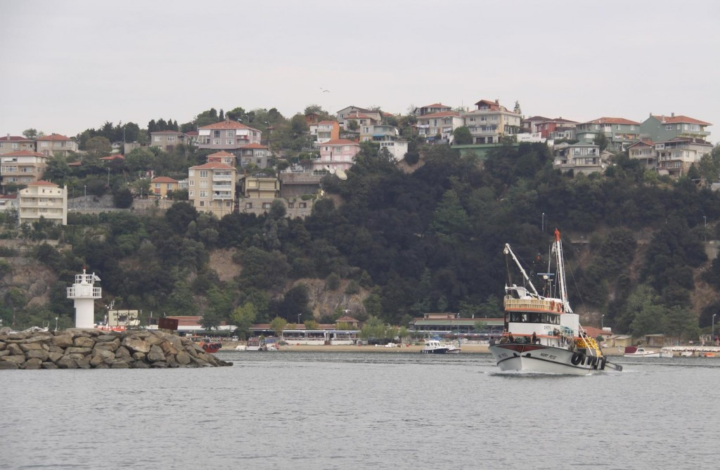 Entering Poyraz Harbour on the North East Coast of the Bosphorus