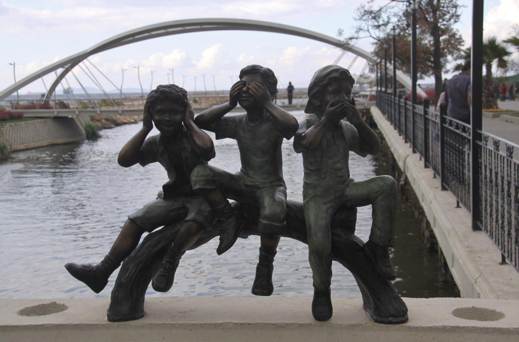 A Popular Well Photographed Sculpture on one of the Foot Bridges
