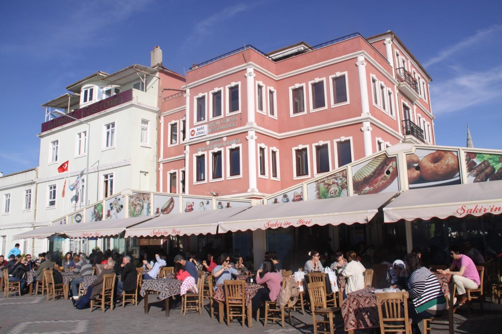 Many Cafes and Restaurants by the Waterside are Full of Customers
