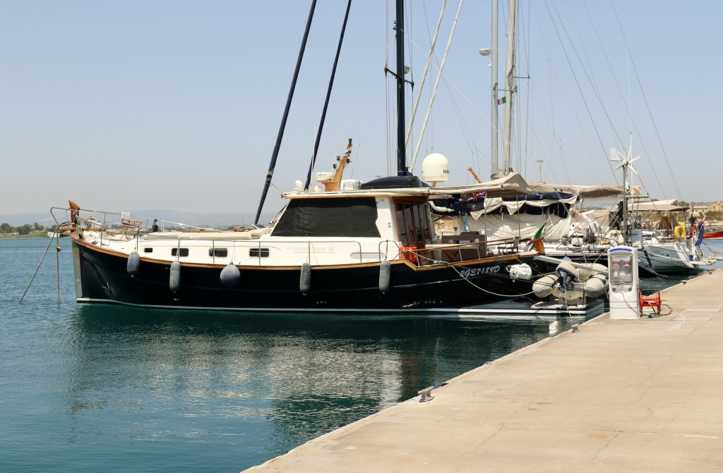 Today we go into the nearby Marina as we have someone coming to do work on the generator and we need water etc