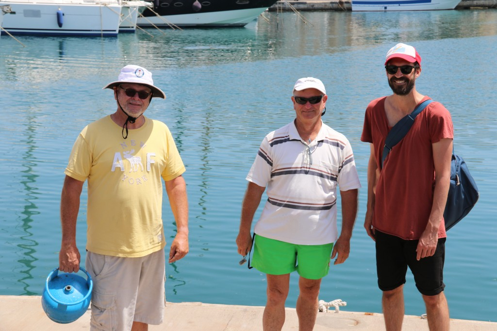 John whom we met a couple of years ago in Gocek, his brother with his Godson are in the Marina too