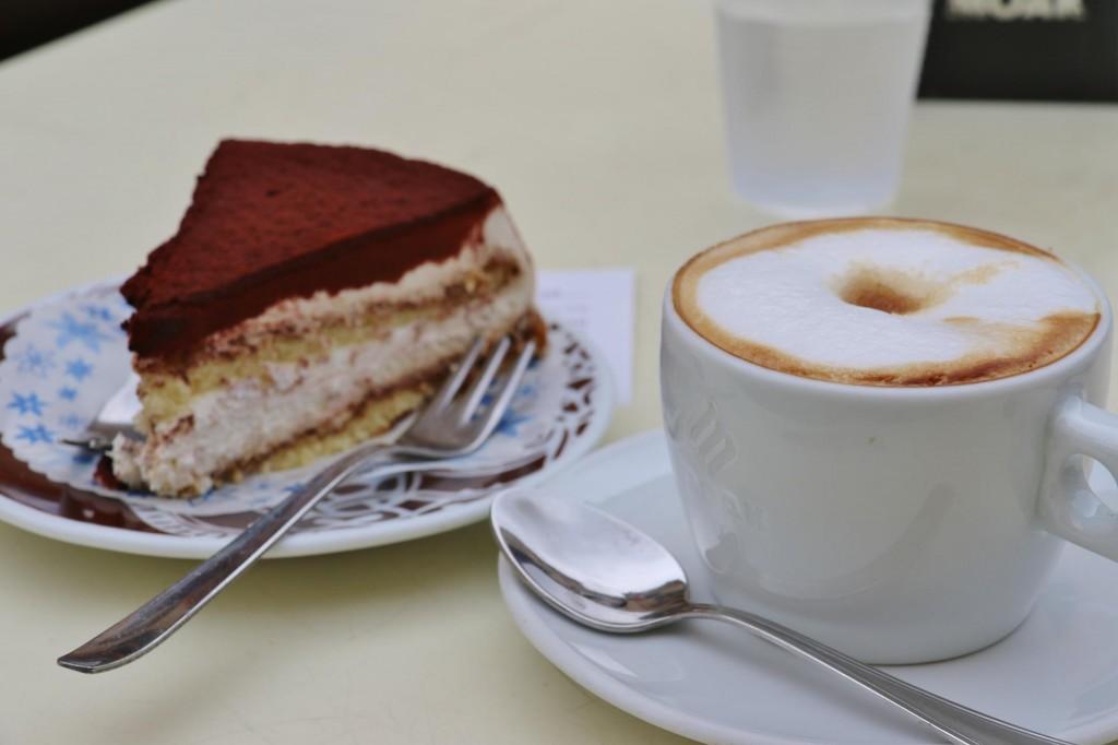 Time for a nice cappuccino and some tiramasu cake