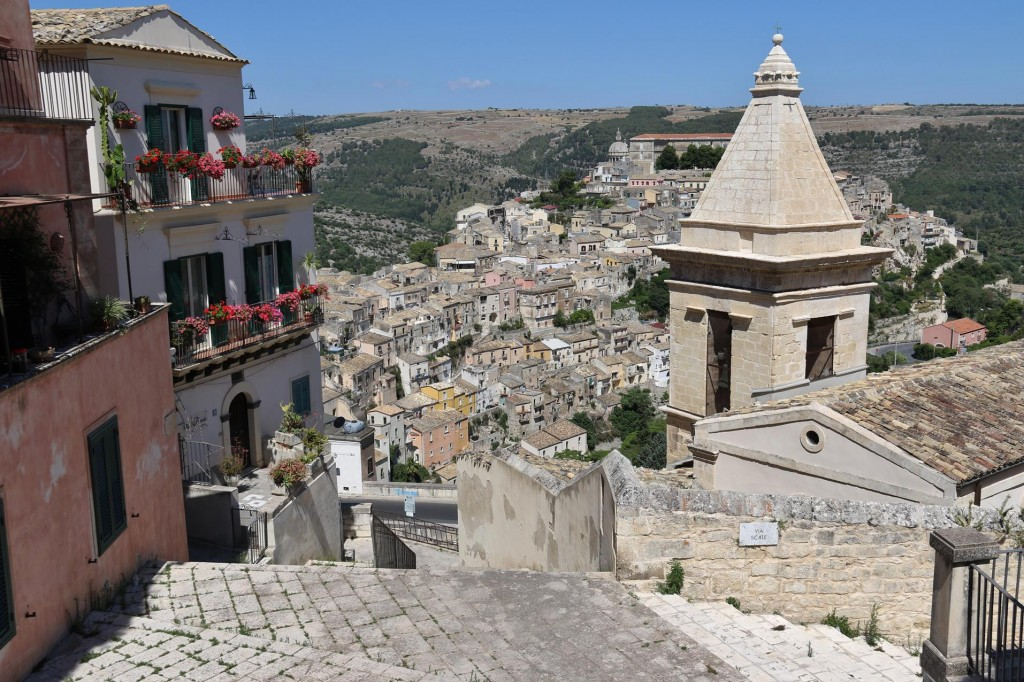 We head towards the old town of Ragusa Ibla