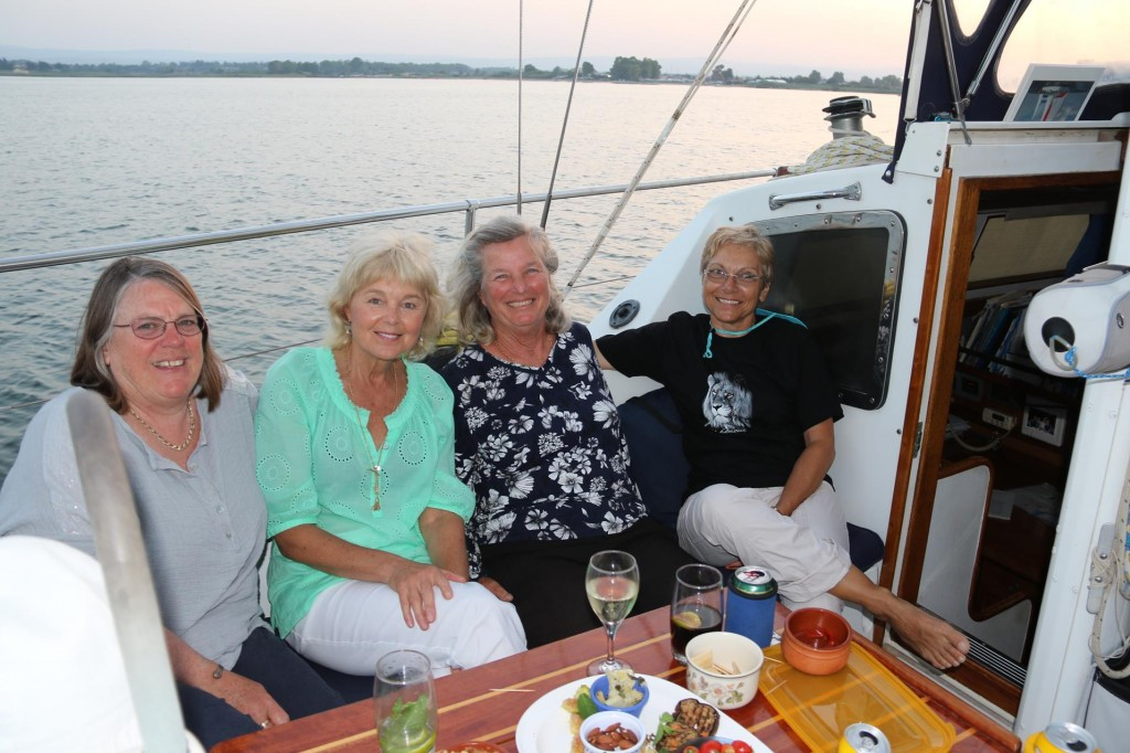 Drinks tonight aboard 'Restless of Auckland'