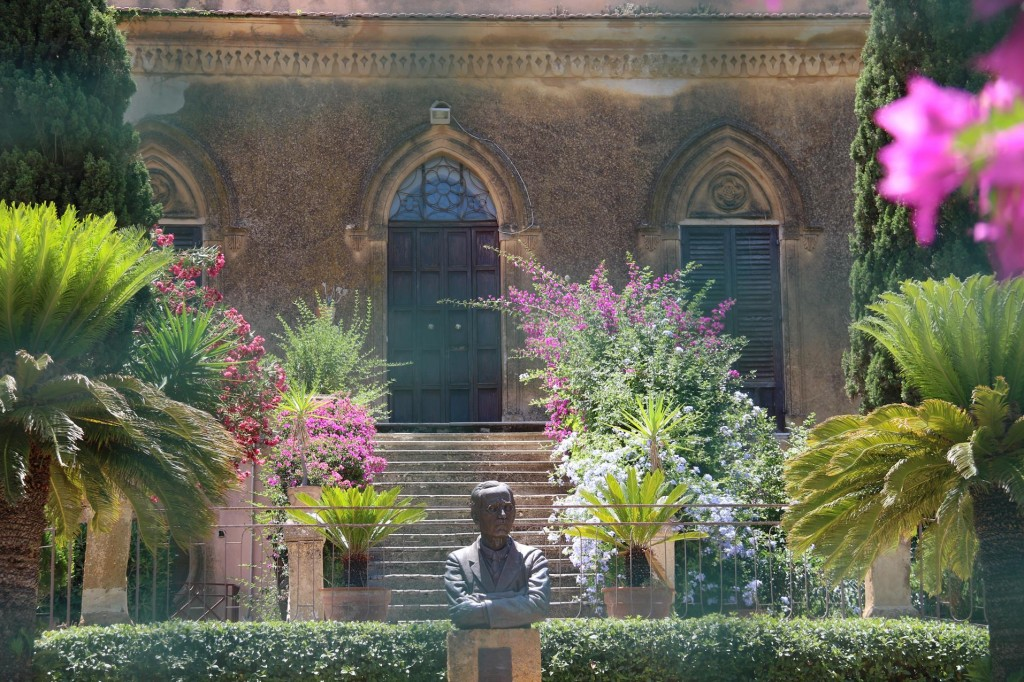 Villa Urea and the statue of it's original owner Alexander Hardcastle who in the early 1900's funded many excavations in the Valley of Temples