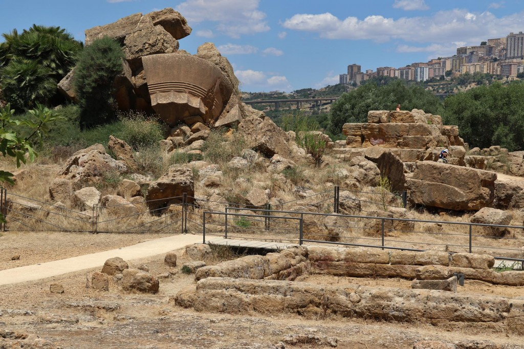 The ancient site of Agrigento is quite substantial and is one of the largest and well preserved sites we have visited of late