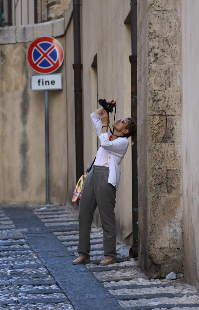 Eva trying to get the perfect shot!!