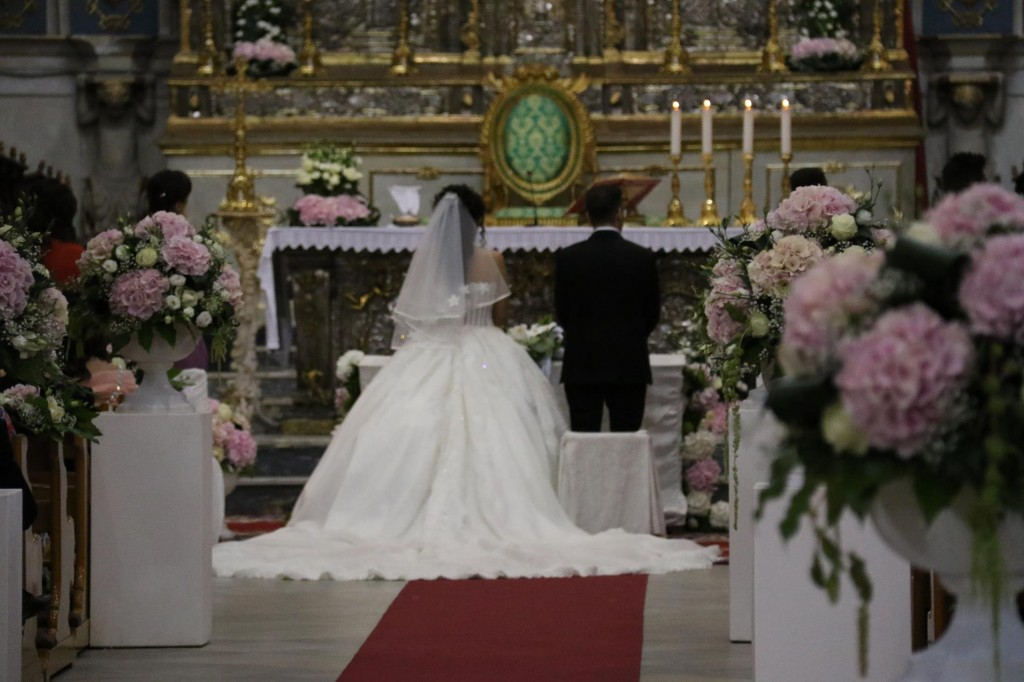 The bride's dress looked exquisite!!