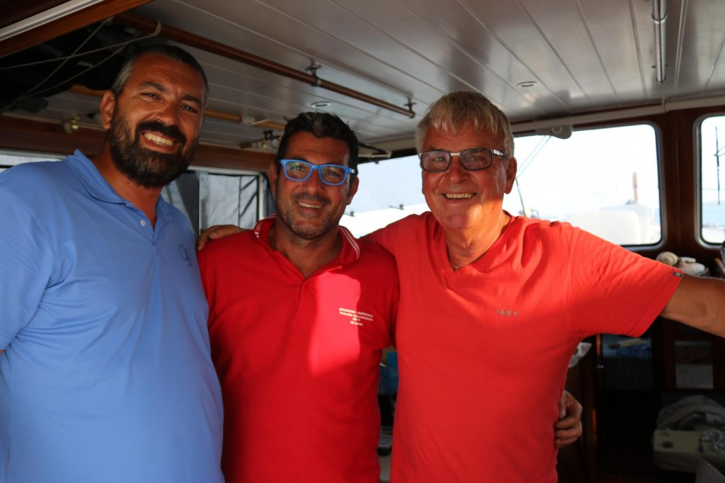 Giampaolo from Colombus marina and Vincenzo our wonderful mechanicwith the cool blue glasses