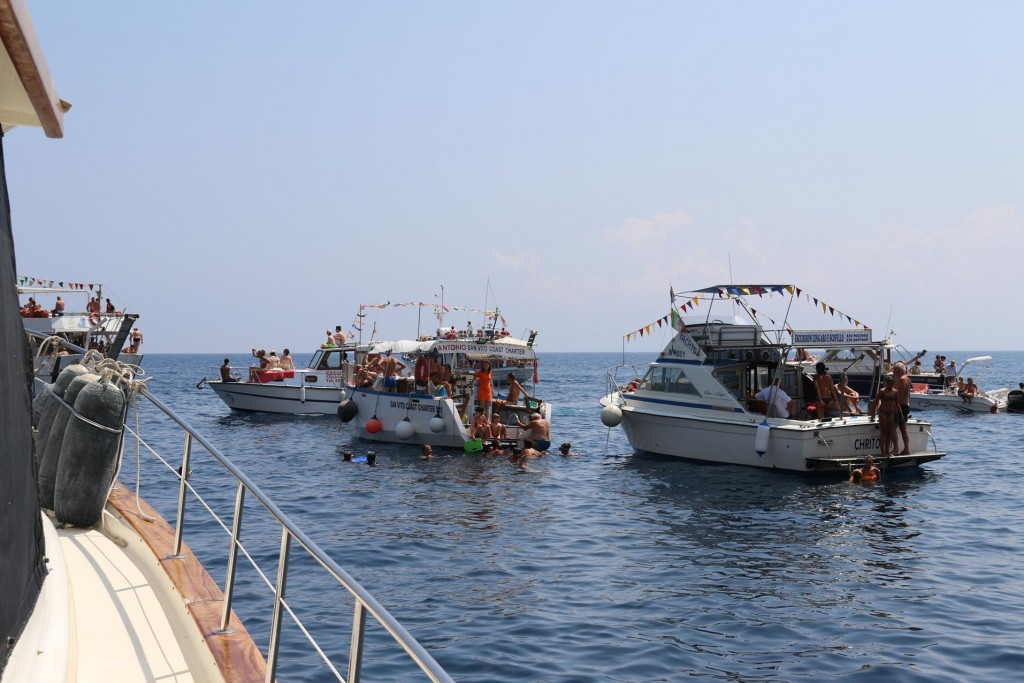 During the morning the boats started arriving to Scopello bay