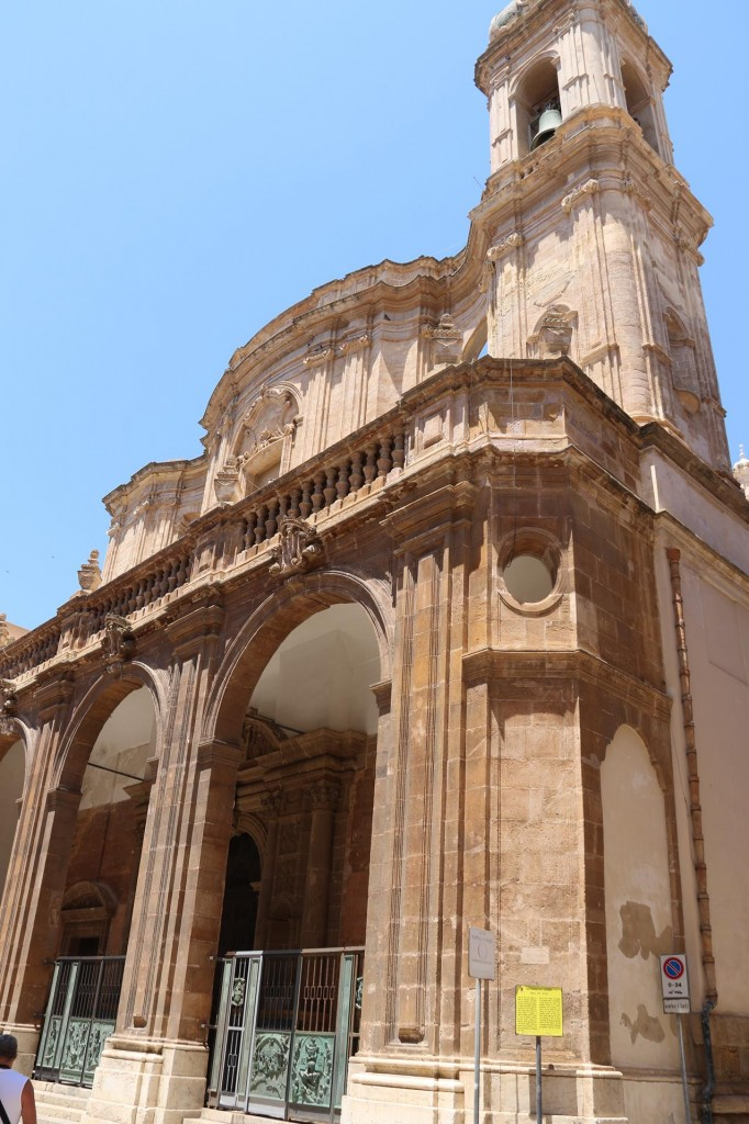 The magnificent Cathedral San Lorenzo was unfortunately undergoing repairs during our visit