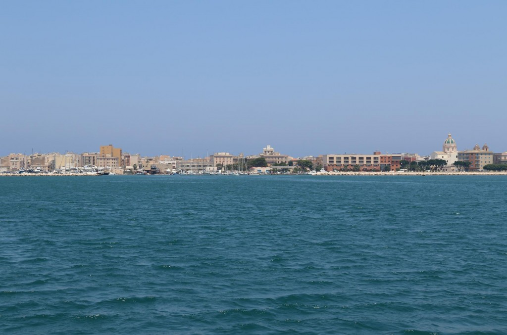 We arrive back in Trapani as we still have not finalised the repair on our generator
