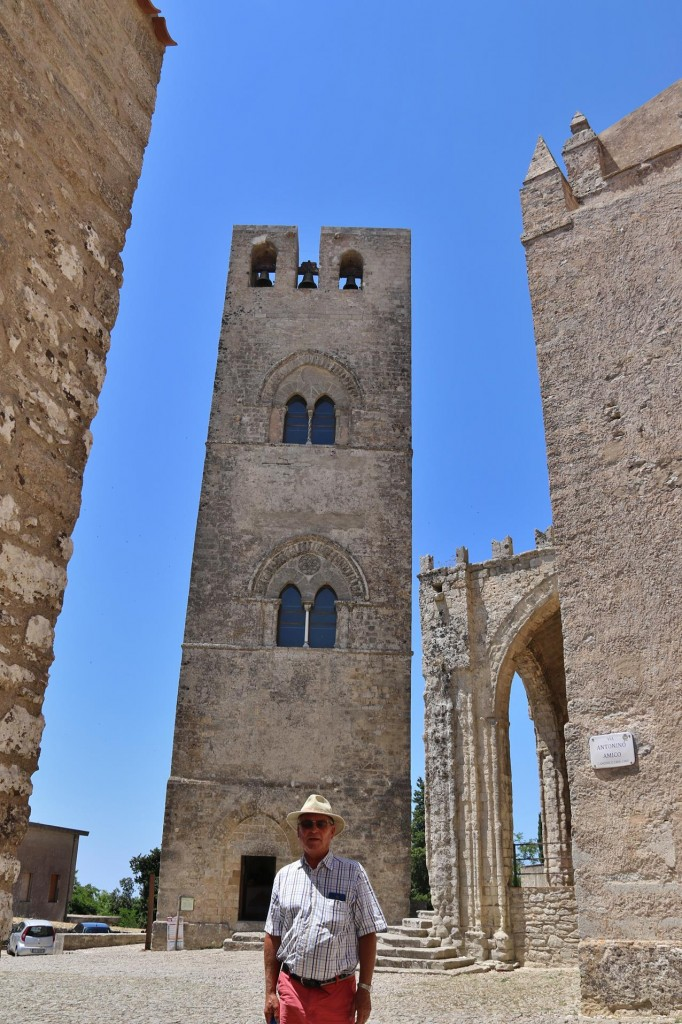 Standing adjacent to Chiesa Madre, King Frederick's Tower was rebuilt by Frederick 111 of Aragon in the 13th Century