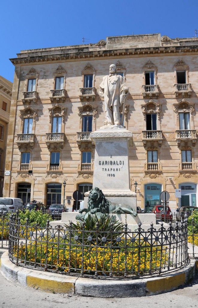 The statue of Italian Patriot Giuseppe Garibaldi who lived in the 1800's