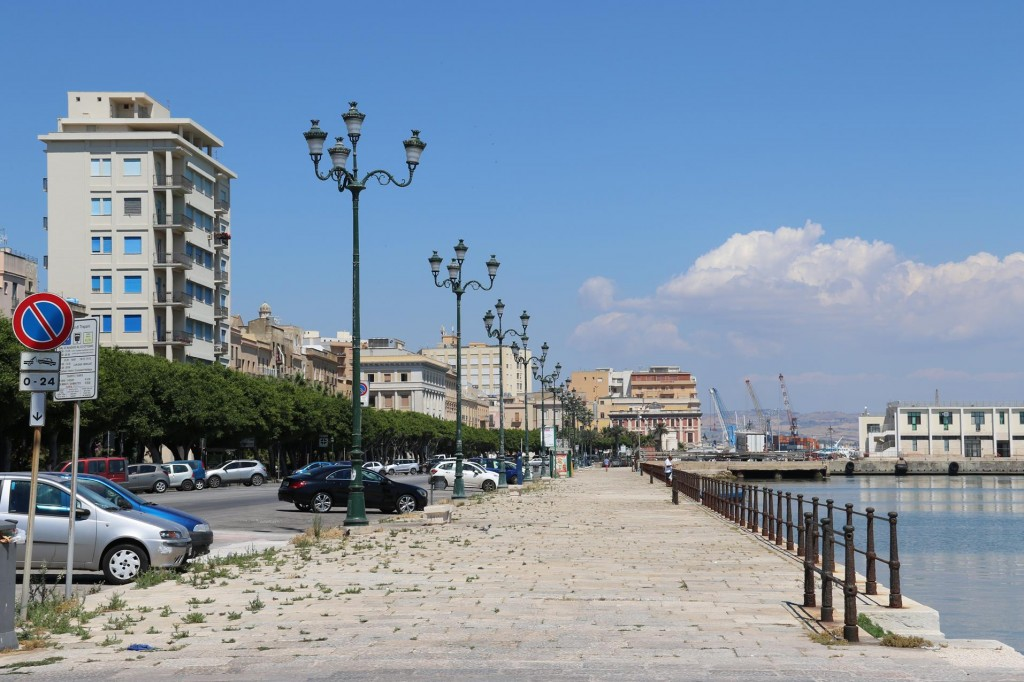By Viale Regina Elena is the promenade along the waterfront