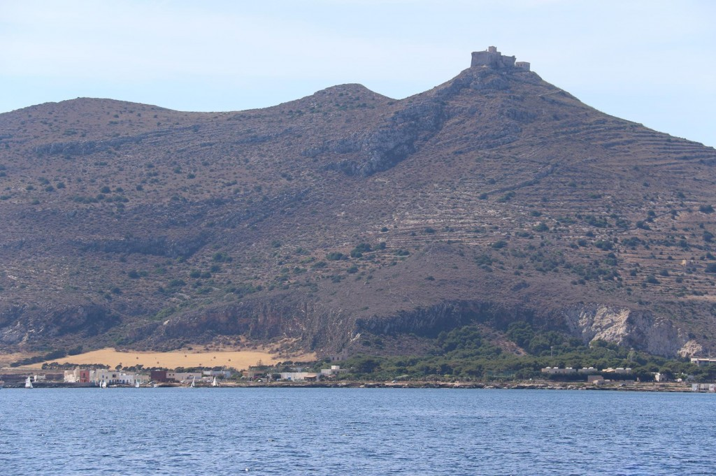 Approaching the island the Aragonese  fort can be seen on Montagna Grossa