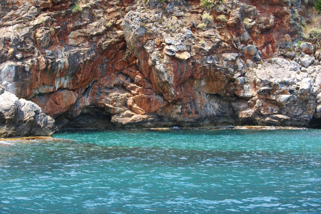 The turquoise water and red rock made a stunning contrast