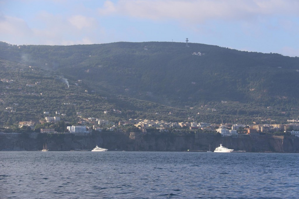 We pass the cliffs of Sorrento as we head north west to our destination