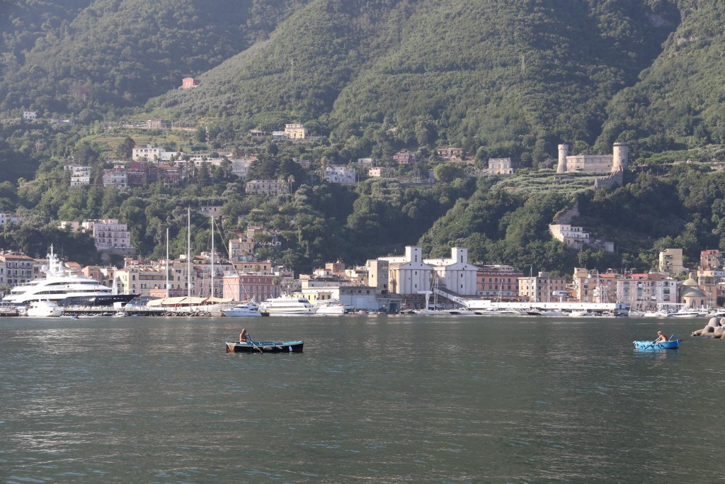 We arrive at Porto Davide by Castellammare di Stabia