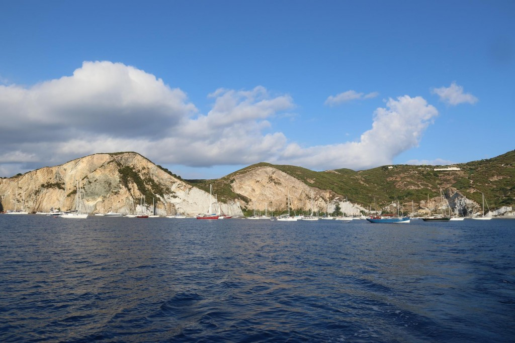 The large bay called Cala Inferno by the Ponza Port was full of boats on anchor over night