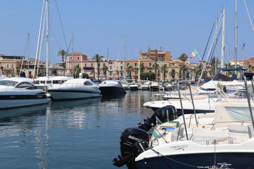 We depart Netunno Marina in Milazzo and leave Sicily after nearly 6 weeks around the island