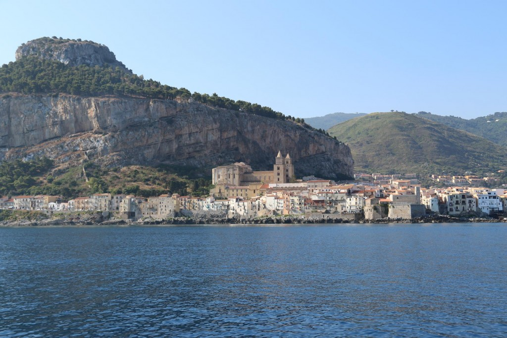 At 9am after breakfast we also depart from the lovely old city of Cefalu