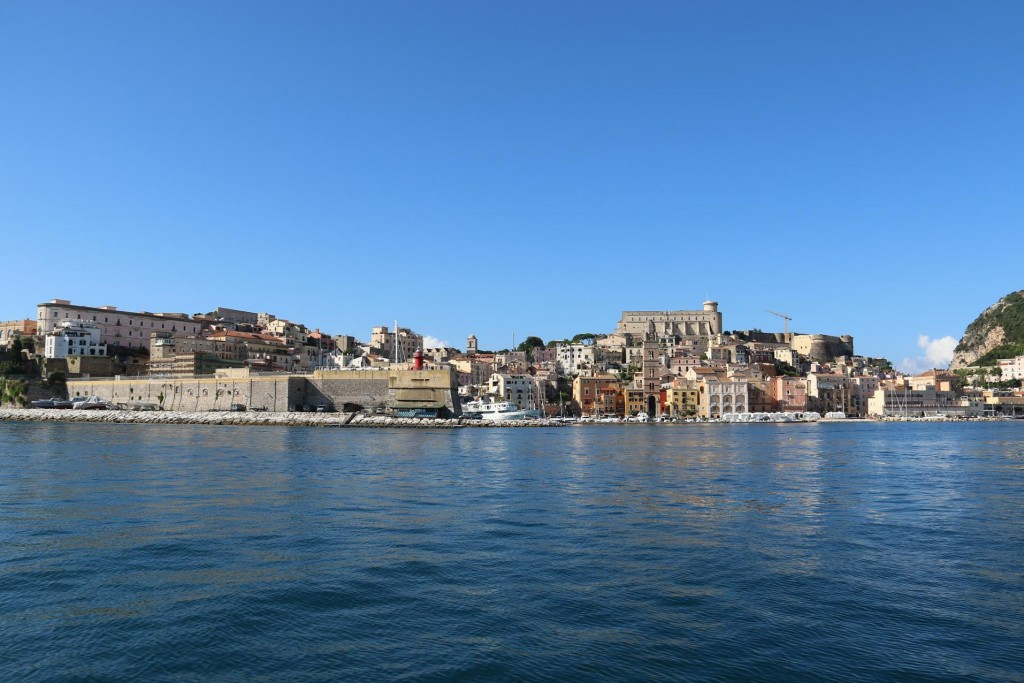 We leave this delightful town and continue north west up the coast of Italy
