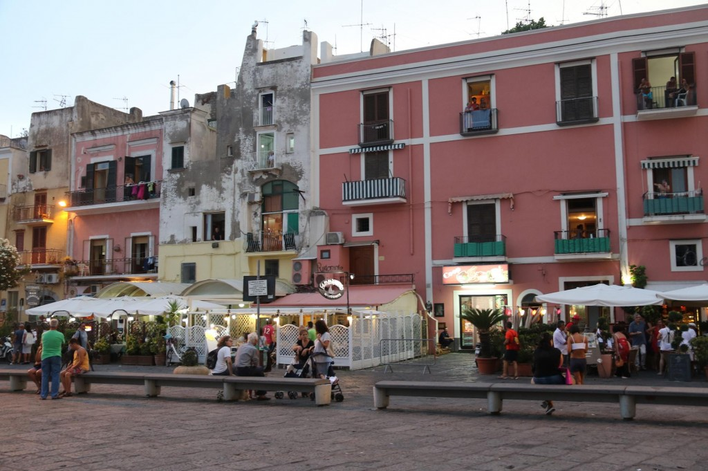 By the marina there are numerous restaurants and bars