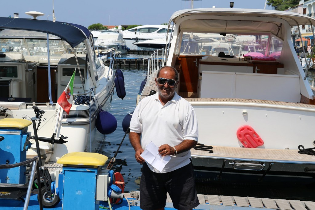 A nice goodbye from our helpful friend Antonio who looks after all the moorings here