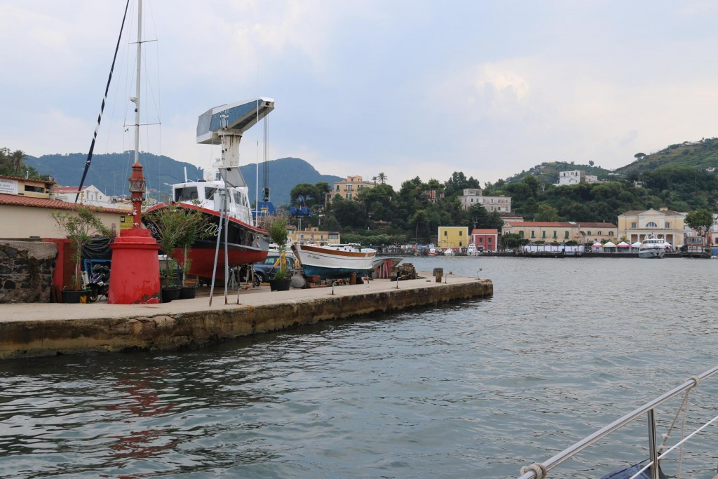 Later in the aftenoon we make our way into Porto d'Ischia