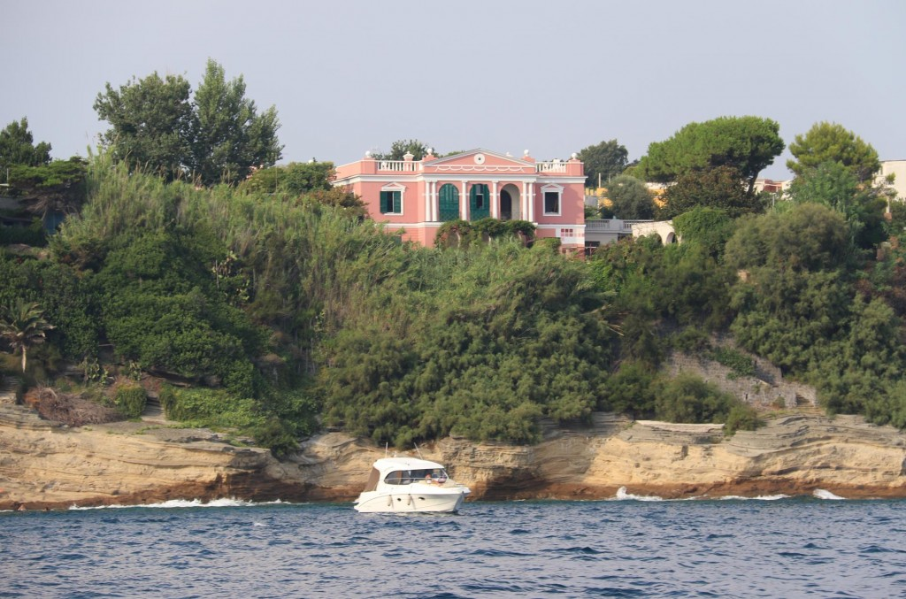 There are some lovely homes by the water along the coast